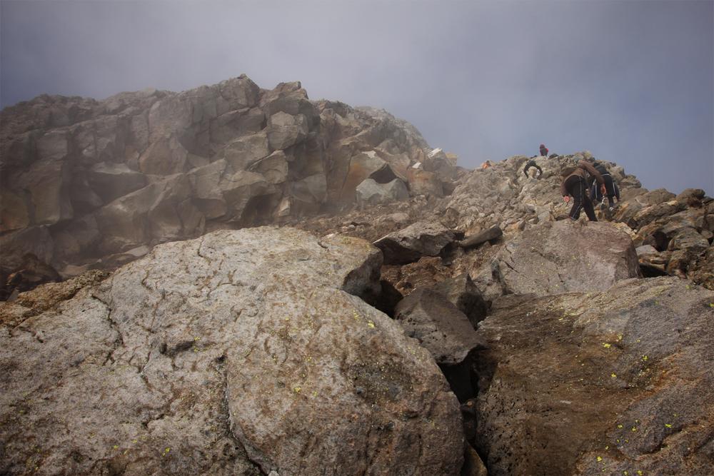 06-mount-taranaki-rocks