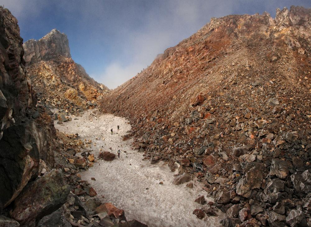 09-mount-taranaki-valley