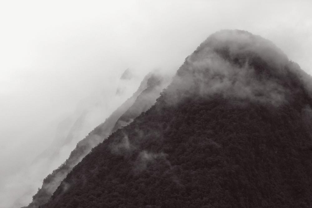 milford sound fiordland new zealand