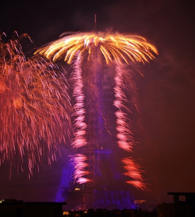 paris_fireworks_bastilleday02