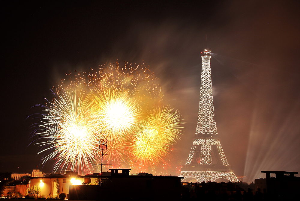 paris_fireworks_bastilleday10