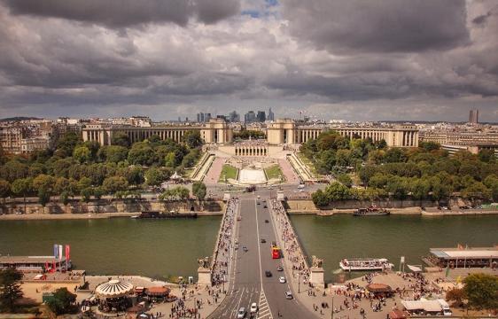 Eiffel-Tower-View3
